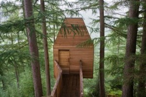 Artist residency 'Outlandia' in Glen Nevis, designed by Malcolm Fraser Architects. Courtesy of London Fieldworks.