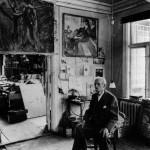 Edvard Munch (1863 1944) in his studio with canvas, in Ekely, at Skoyen, Oslo Norway, in 1943 (last photograph taken of him)  ------------------------- Ce site respecte le droit d'auteur. Tous les droits des auteurs des oeuvres protÈgÈes reproduites et communiquÈes sur ce site, sont rÈservÈs. Sauf autorisation, toute utilisation des oeuvres autres que la reproduction et la consultation individuelles et privÈes sont interdites. Pour les publier ou les diffuser, vous devez impÈrativement obtenir l'autorisation prÈalable de l'ADAGP ou de ses correspondants ‡ l'Ètranger et acquitter les droits d'auteur correspondants : ADAGP  11 rue Berryer  Paris Tel : (33) 1 43 59 09 79     Fax : (33) 1 45 63 44 89 Email : adagp@adagp.fr http : www.adagp.fr